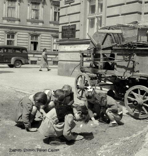 Igra-na-ulici-ulica-Braće-Kaurića_-Zagreb-1959