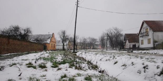 dopisnica-iz-banata-73-3-zima-selo-sneg-susnezica-jpg_660x330