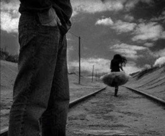 rastanak-ljubavnika-crno-beli-700x577